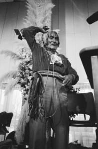 De behandeling van de zaak van de Hopi-indianen in de Verengide Staten. Foto: Rob Bogaert, Anefo. Nationaal Archief.