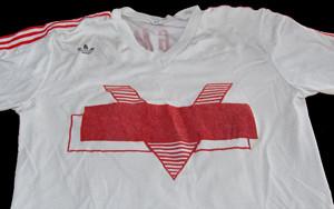Het tenue van FC Dordrecht met het afgeplakte Frisol-logo. Foto: FC Dordrecht
